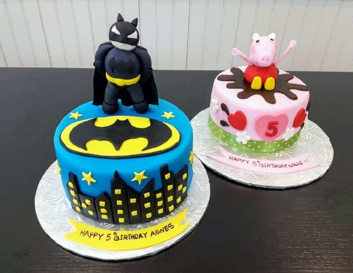 30 Year Old Female Birthday Cake 9